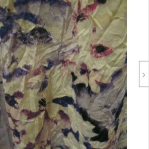 Simply Vera Wang Crinkle Tank Size XL Floral NWT